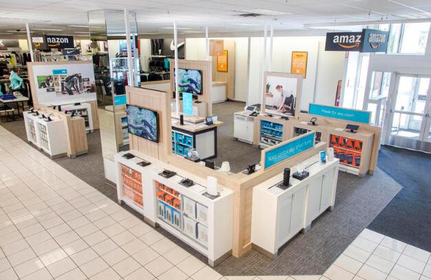 亚马逊的套路和京东像京东,在百货商场开了实体店